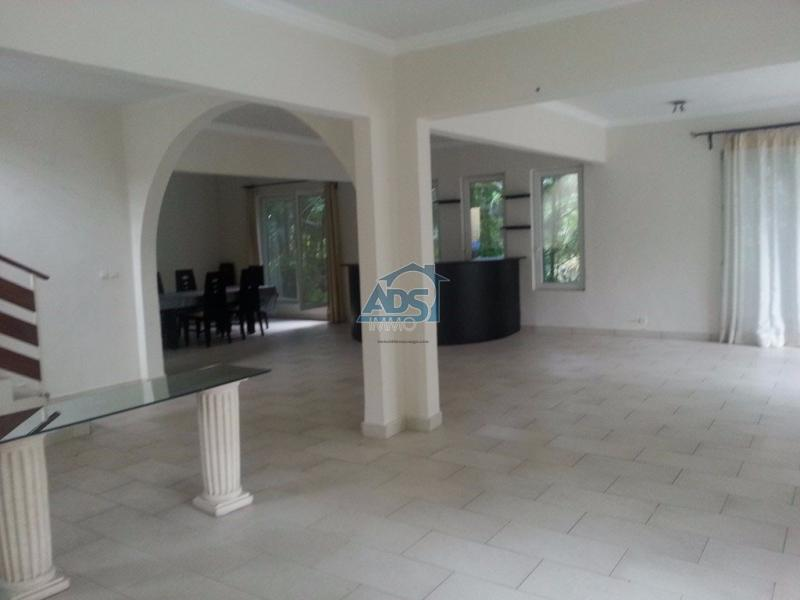 Belle villa de 4 chambres à la Gombe