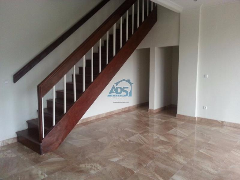 Gombe, bel appartement neuf de 2 chambres
