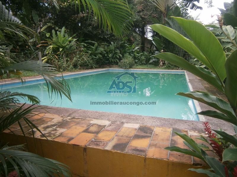 Magnifique villa de 4 chambres en plein coeur de la Gombe