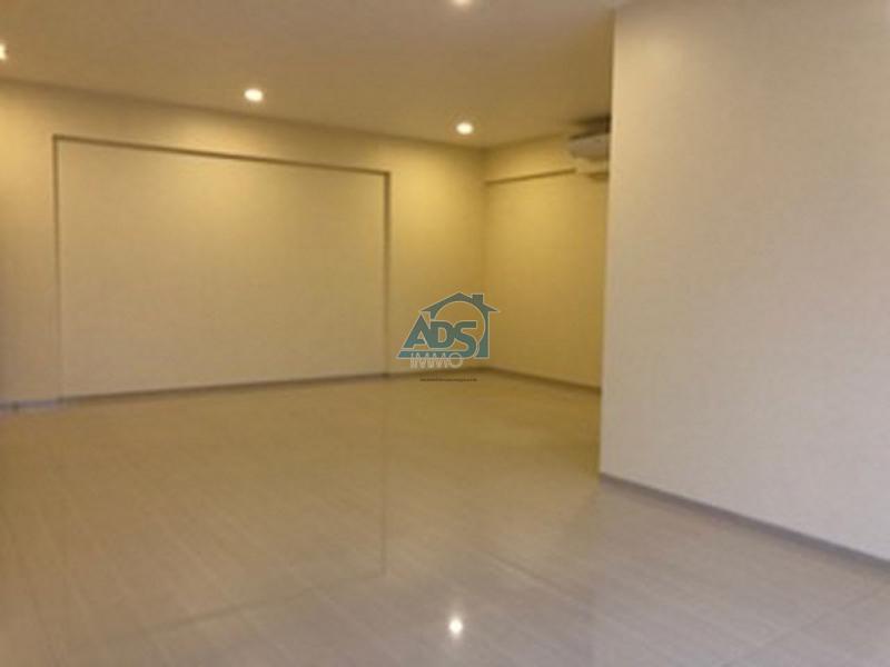 Appartement neuf de 2 chambres à louer à la Gombe