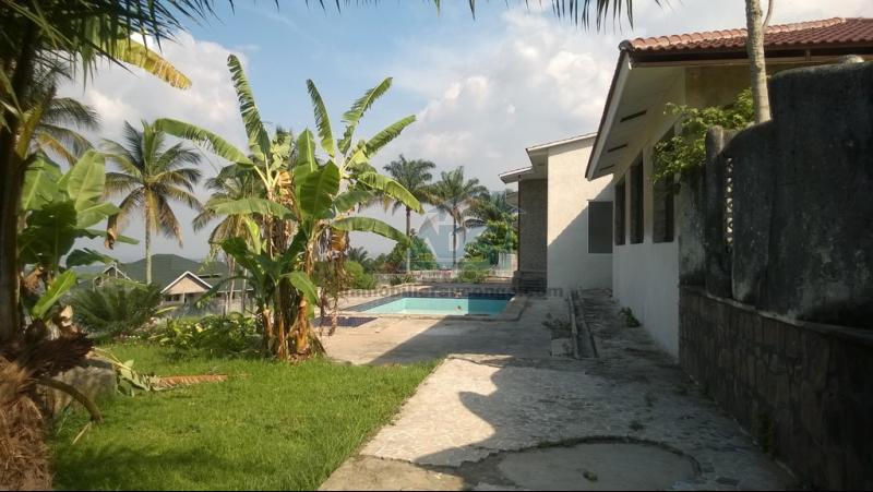Villa à vendre à Ngaliema de 9 chambres et 10 salles de bain