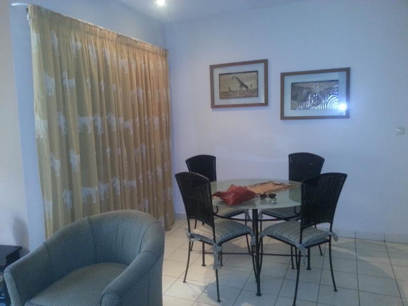Bel appartement meublé en duplex à louer à la Gombe