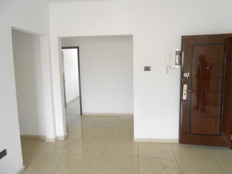 Appartement de 3 chambres et 2 salles de bain à louer au centre ville