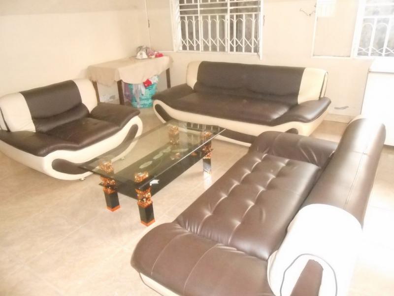 Limete maison de 3 chambres et 2 salles de bain vendre for Achat maison kinshasa