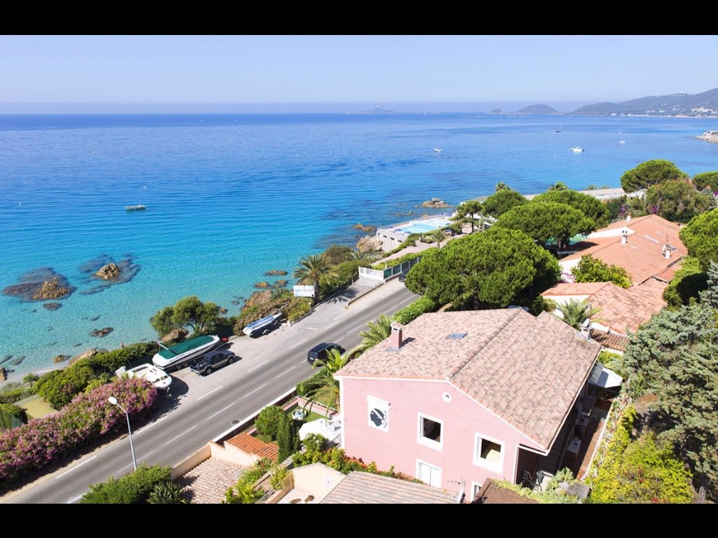 Ajaccio location villa de 300 m pierre et patrimoine for Ajaccio location maison