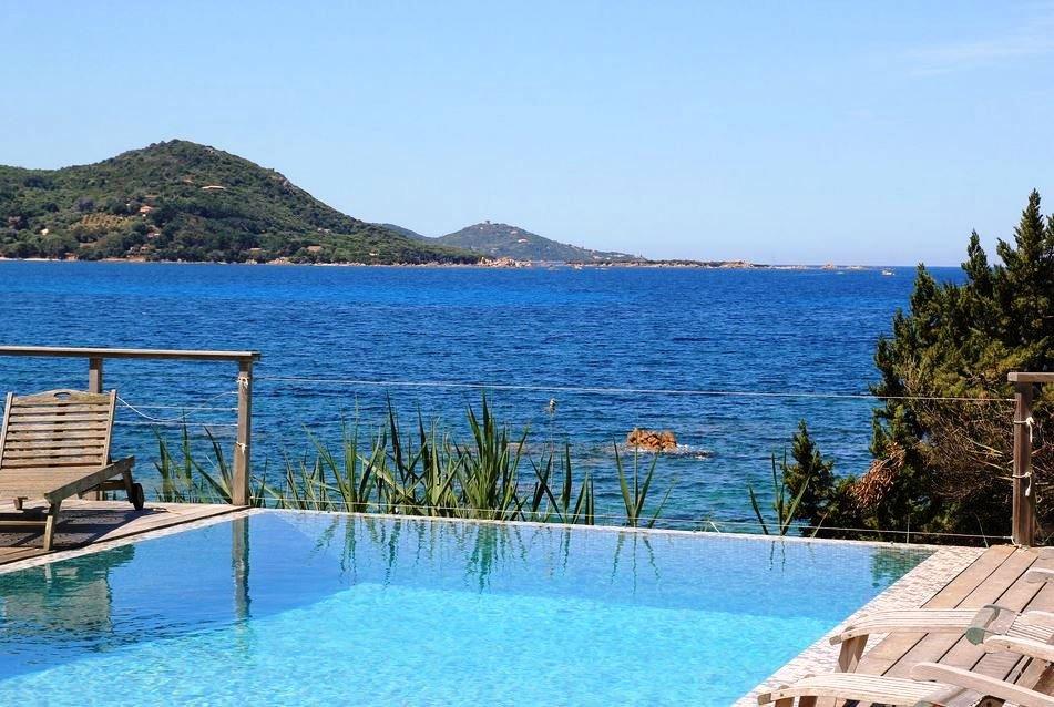 Corse du sud magnifique pieds dans l eau dominant le golfe for Achat maison corse du sud