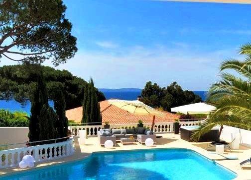 Corse du sud demeure de charme et d exception face a la for Achat maison corse du sud