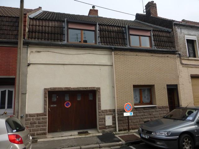 Maison aux beaux volumes avec garage proche des coles for Location garage henin beaumont