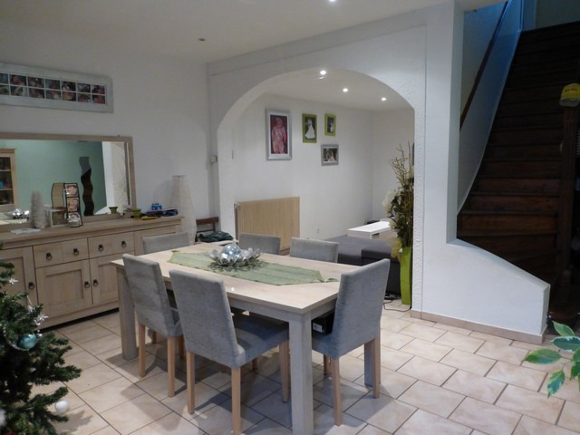 maison aux beaux volumes en centre ville d 39 henin beaumont. Black Bedroom Furniture Sets. Home Design Ideas