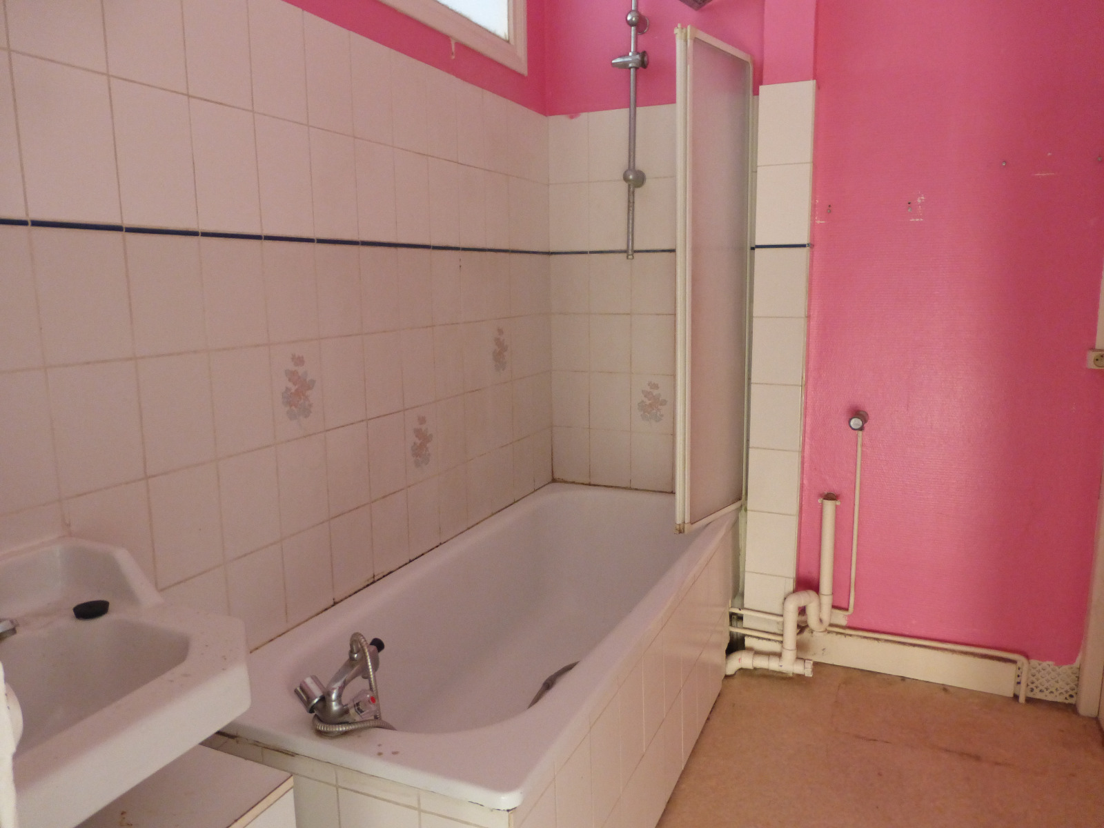 maison de type bel tage avec garage h nin beaumont accedimmo agence h nin beaumont. Black Bedroom Furniture Sets. Home Design Ideas