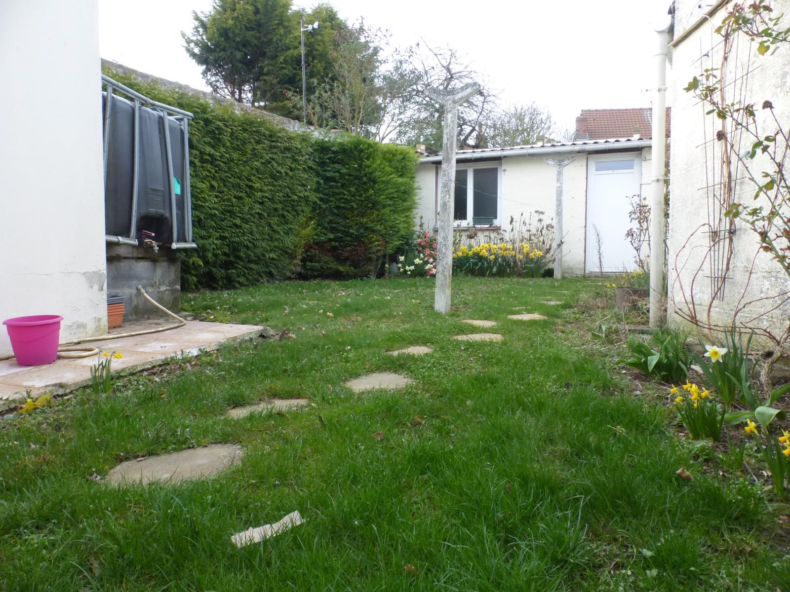 Plain pied semin individuel avec garage harnes for Location garage henin beaumont