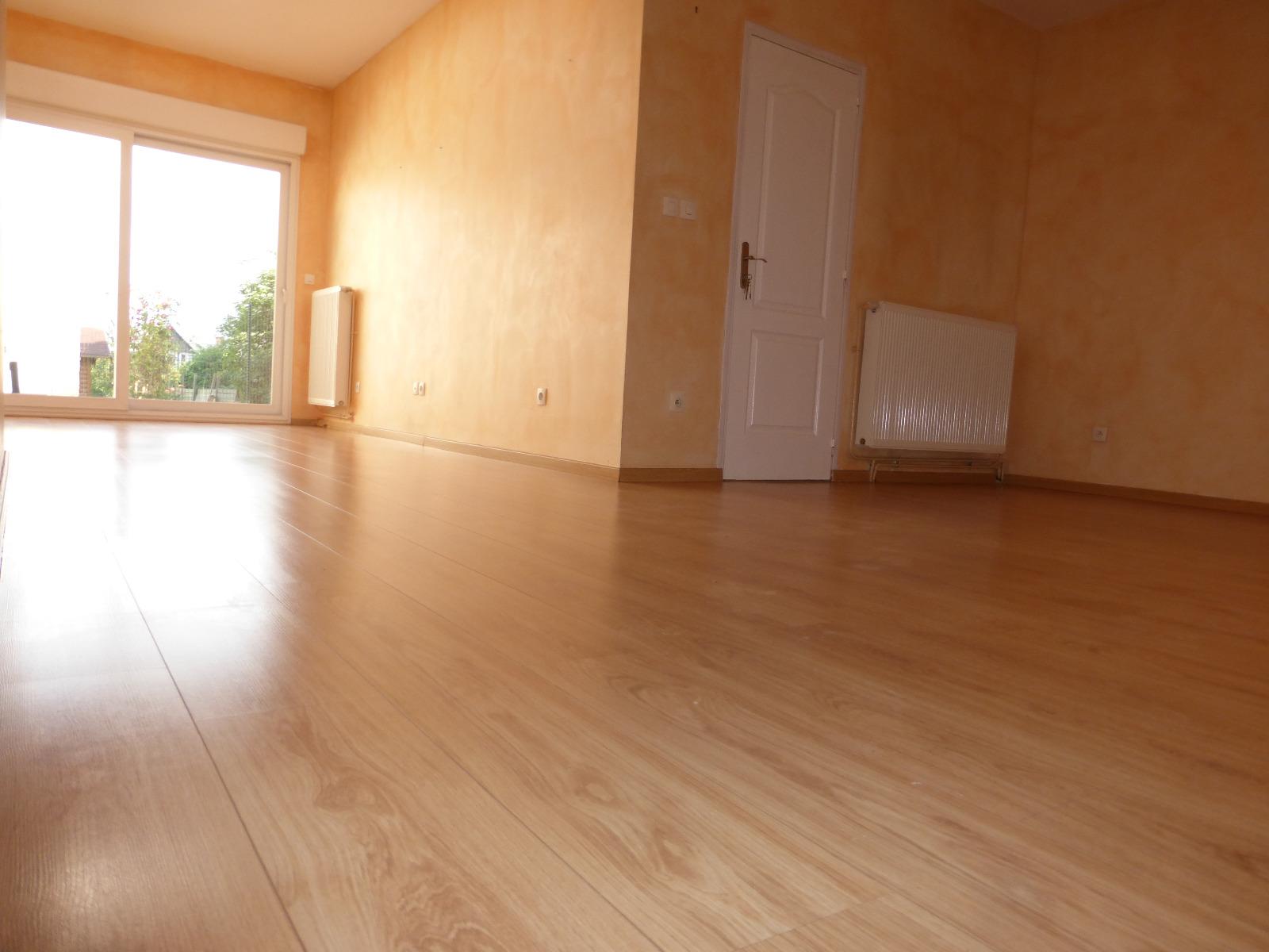 Maison r nov e avec 4 chambres jardin et garage for Location garage henin beaumont