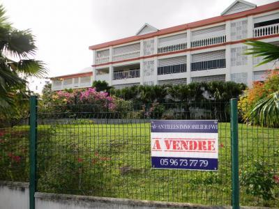 FORT DE FRANCE : Exclusivité : Quartier recherché pour ce grand T2 de standing
