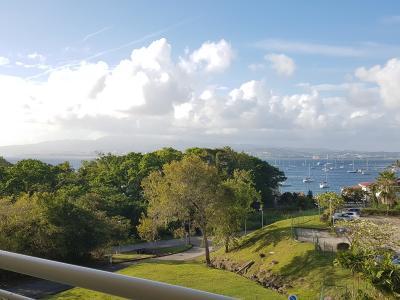 Trois Ilets, Anse Mitan, Appt T3 au dernier étage avec magnifique vue mer et pitons
