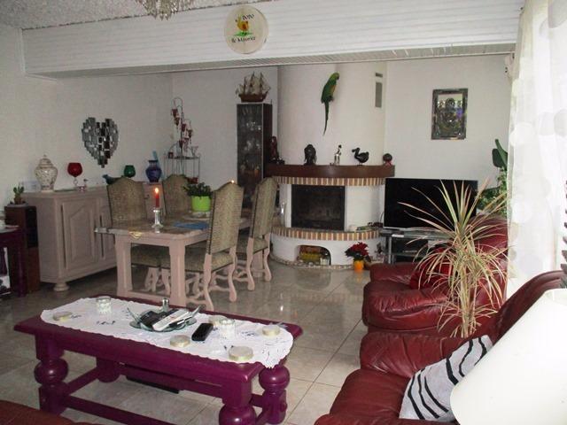 Région Montereau Fault Yonne, villageoise en deux habitations (maison + studio), 5 minutes gare.