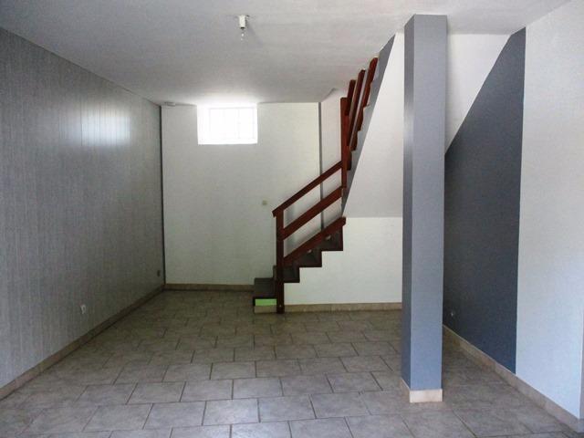 Villeneuve la Guyard, appartement de 53 m², en ville et au calme.