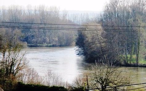 Région Montereau Fault Yonne, terrain à bâtir de près de 3237 m².
