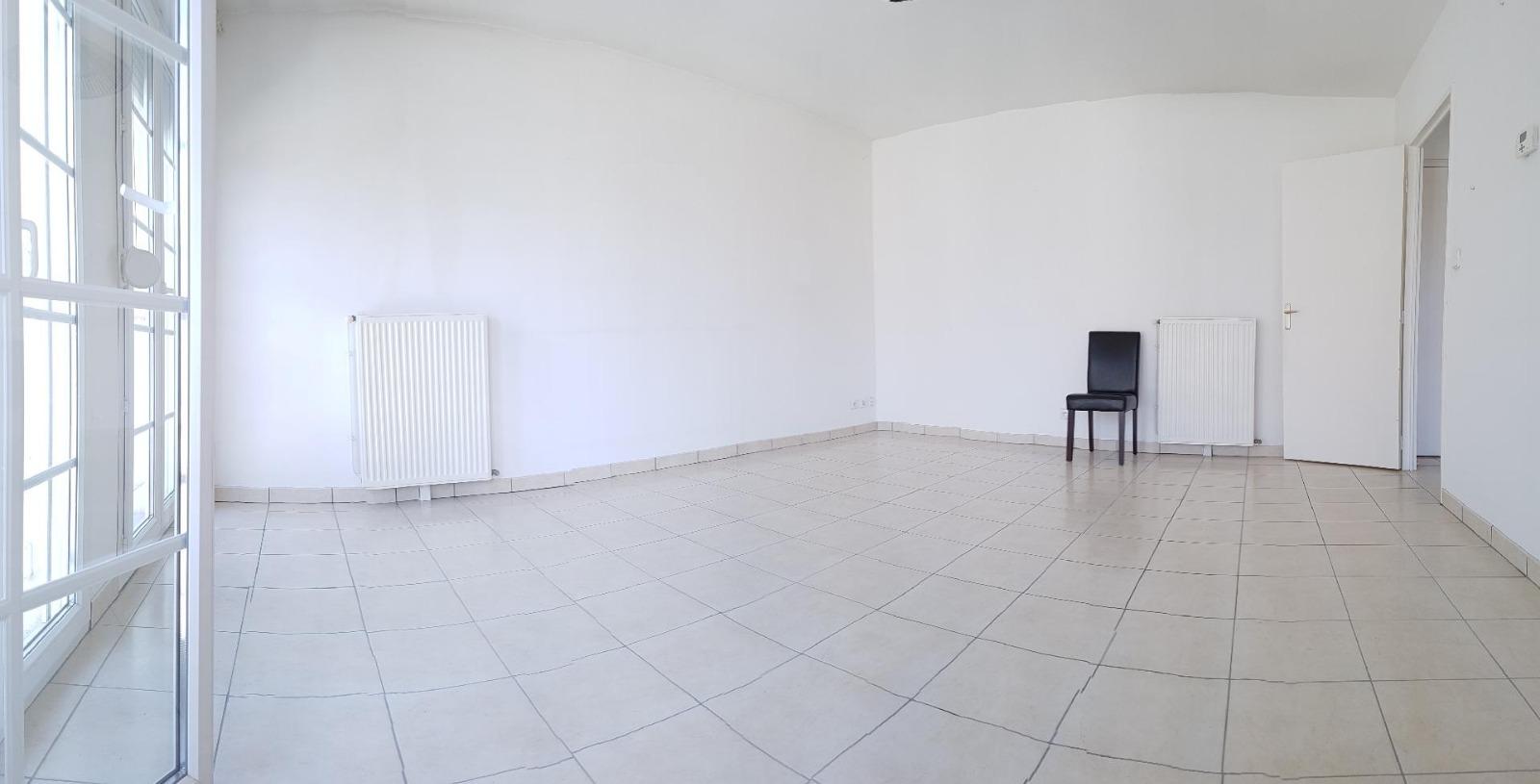 Pont-sur-Yonne, appartement F2 en centre ville