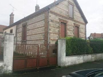 Aux portes de Montereau Fault Yonne, villageoise à rafraîchir