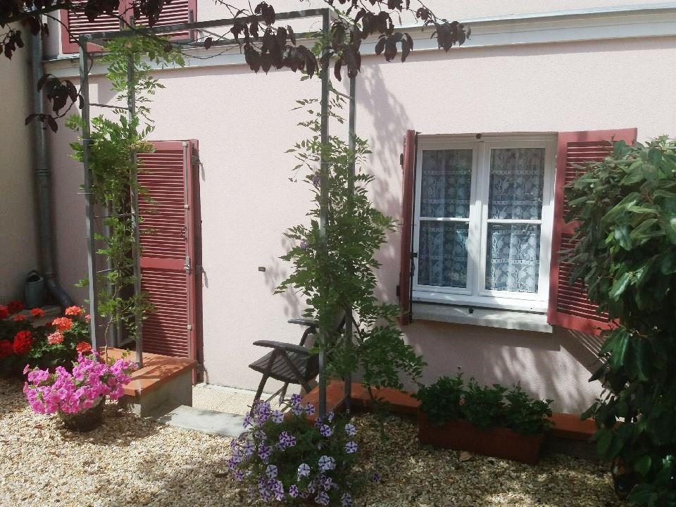 Montereau Fault Yonne, bel appartement de 79 m² environ et son charmant jardin privatif