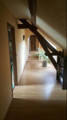 Aux portes de Villeneuve la Guyard, très belle demeure, au calme.