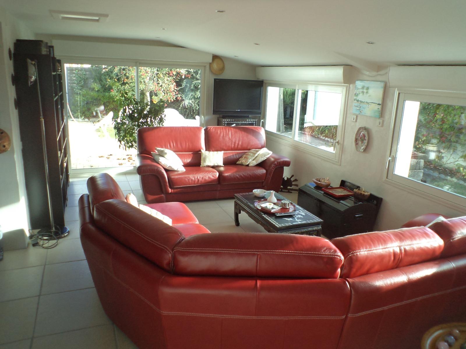 spacieuse maison aux portes de st gilles d 39 clic immo st gilles croix de vie. Black Bedroom Furniture Sets. Home Design Ideas