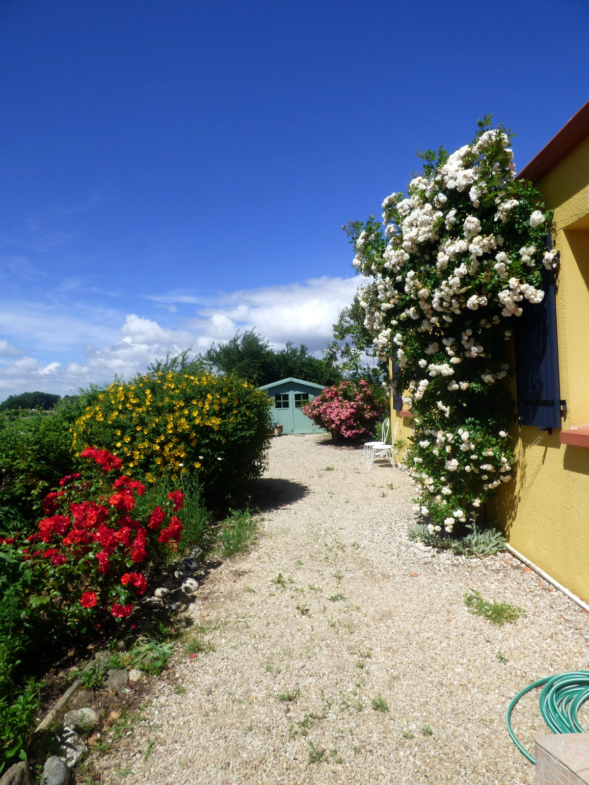 Givrand Agréable maison nichée au coeur de son jardin fleuri
