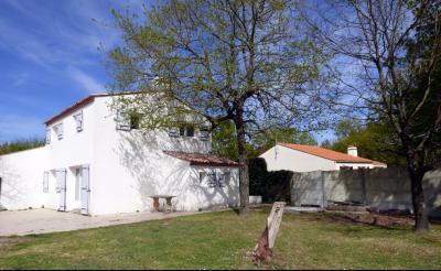St Hilaire de Riez - Maison de type 3 � vendre !