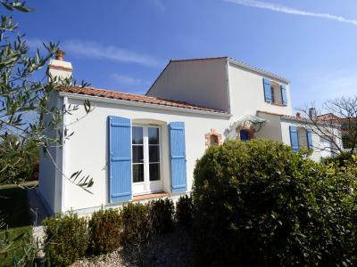 Landevieille - A vendre, agr�able maison r�cente sur terrain payasag� de 748 m� !