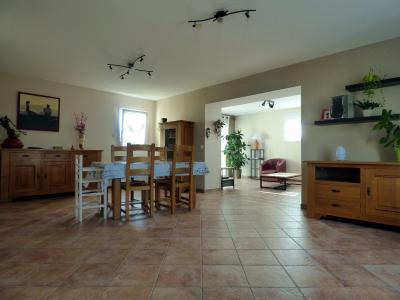 A vendre - Maison de plain pied de 4 chambres � 10 minutes de St Gilles Croix de Vie !