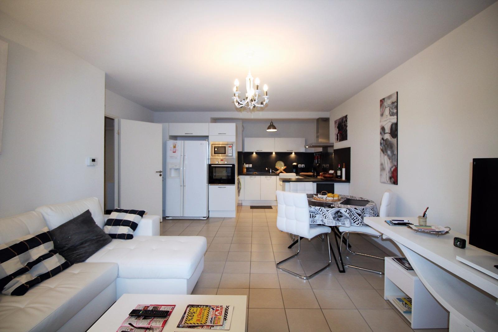 appartement t3 bayonne immobilier maison en vente ou loc bayonne avec era foch immobilier. Black Bedroom Furniture Sets. Home Design Ideas