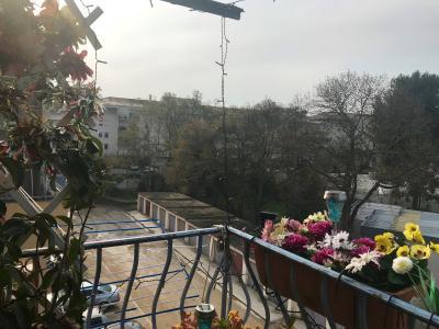 Vue: balcon sud-est, Appartement 3 pi�ces lumineux dernier �tage parking