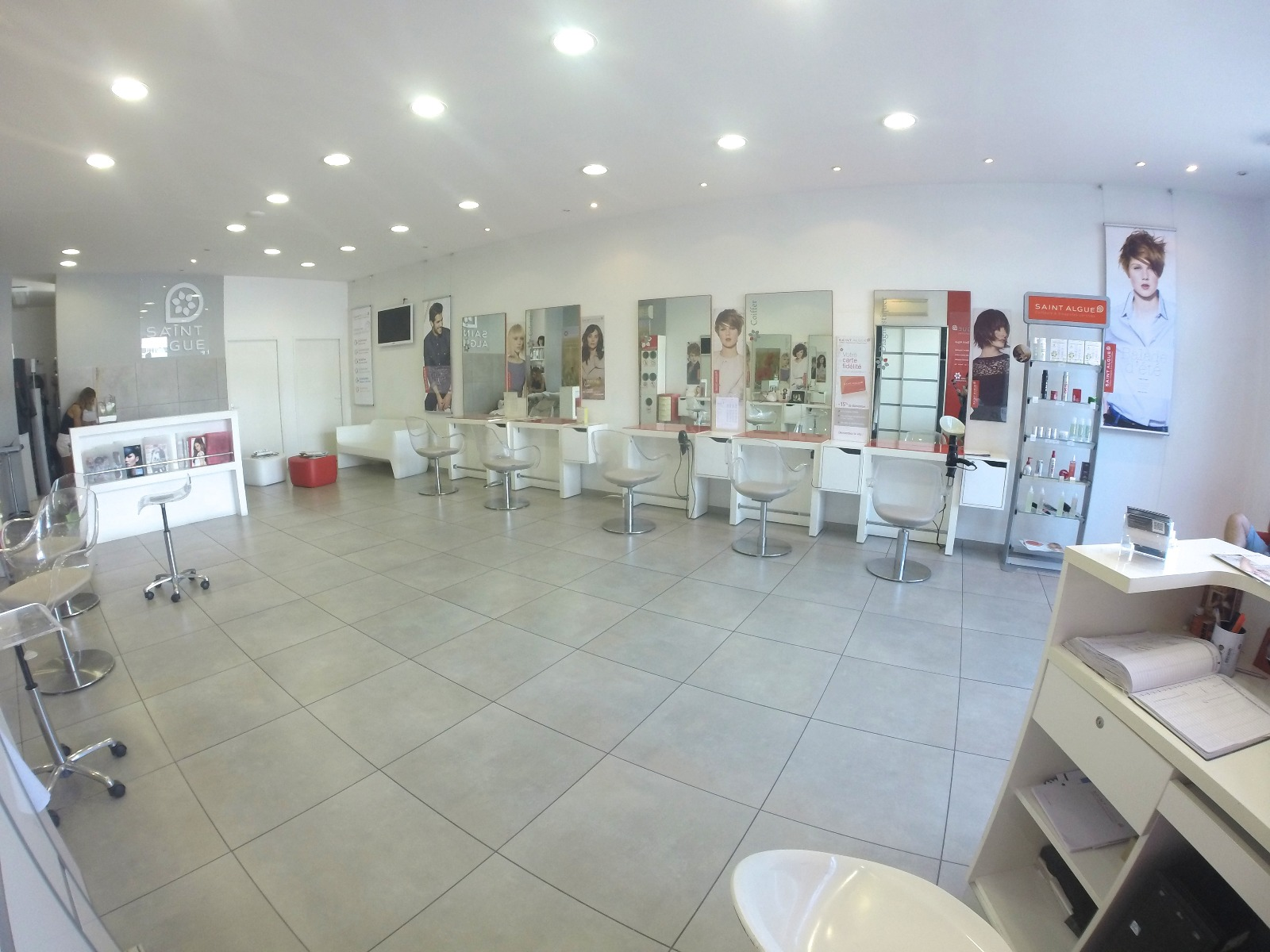 Vente salon de coiffure mezzavia lpt immobilier for Vente salon de coiffure