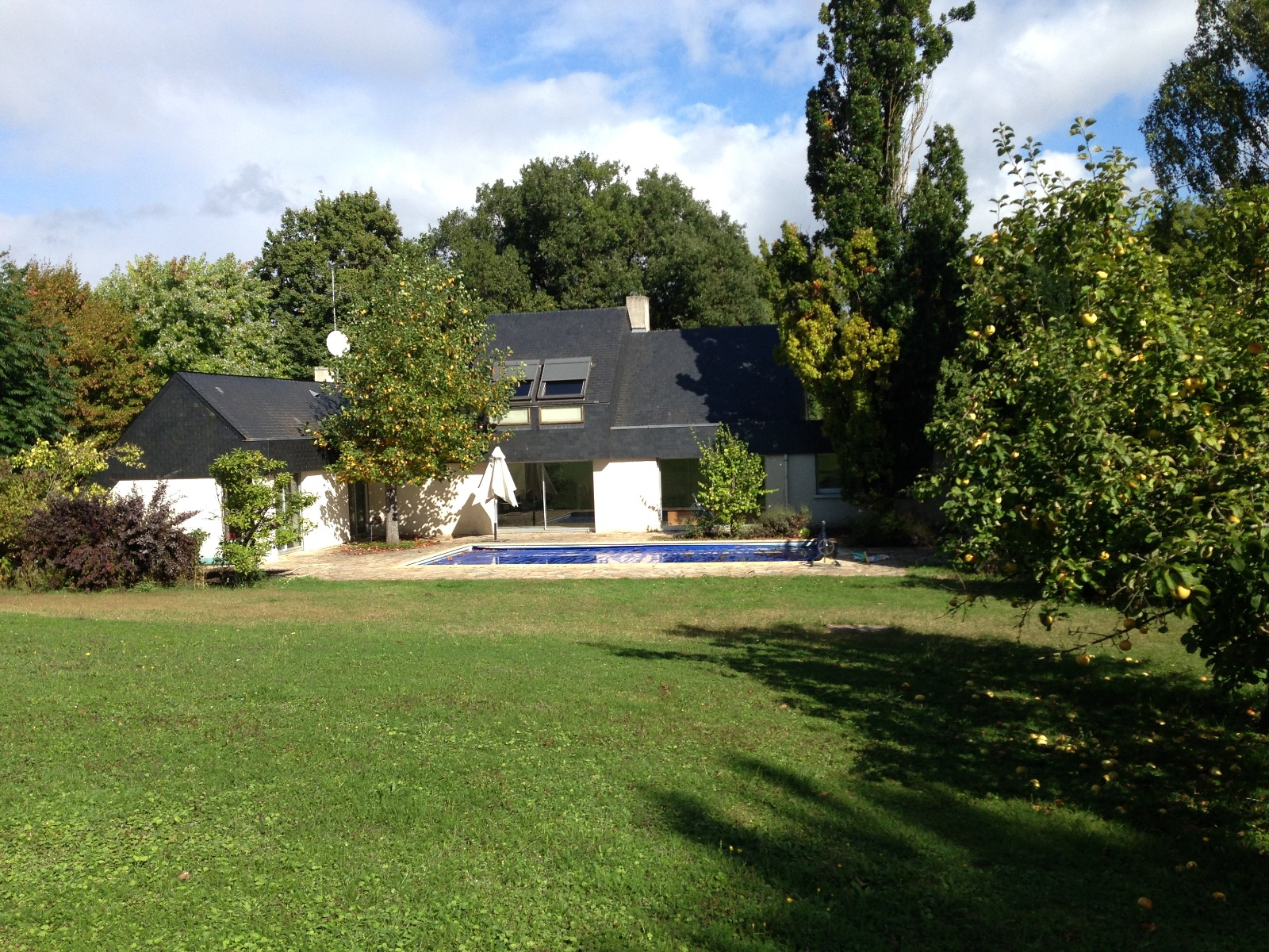 Maison avec piscine et tennis sur 20 000 m - Hotel avec piscine seine et marne ...