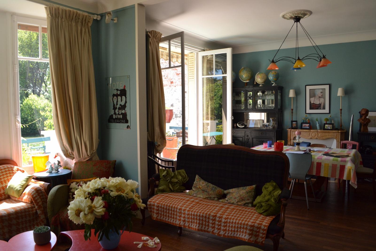 maison de charme proche fontainebleau. Black Bedroom Furniture Sets. Home Design Ideas