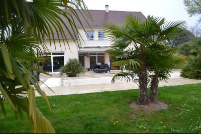 Centre Barbizon maison contemporaine piscine et lumineuse, Agence Immobilière en Seine-et-Marne, Carre-Immo, secteur de Barbizon