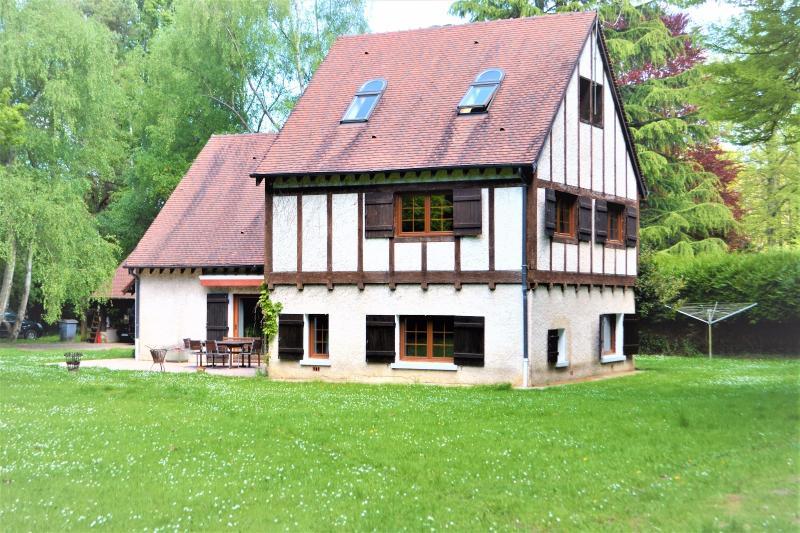Barbizon propriété au calme sortie direct forêt, immobilier Seine-et-Marne, Agence Carre-Immo