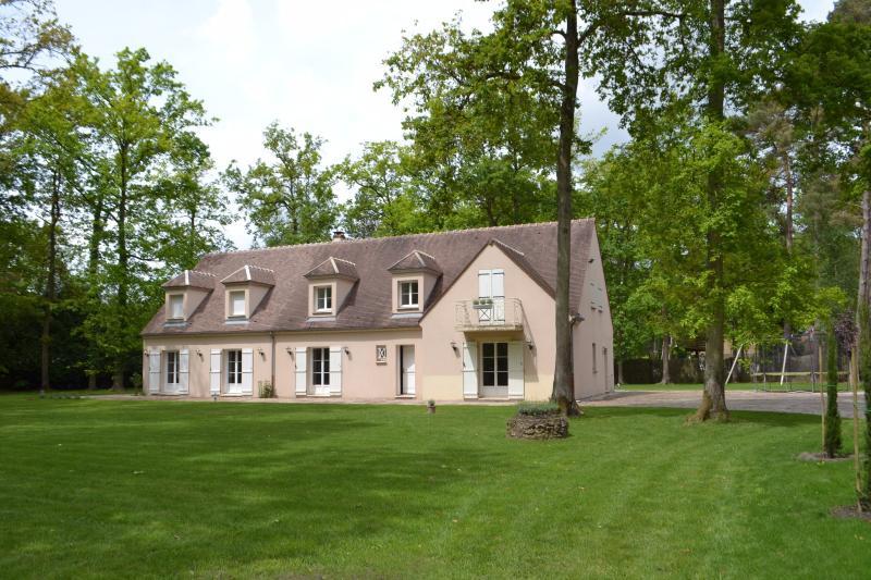 Maison contemporaine proche forêt Noisy Sur Ecole, immobilier Seine-et-Marne, Agence Carre-Immo