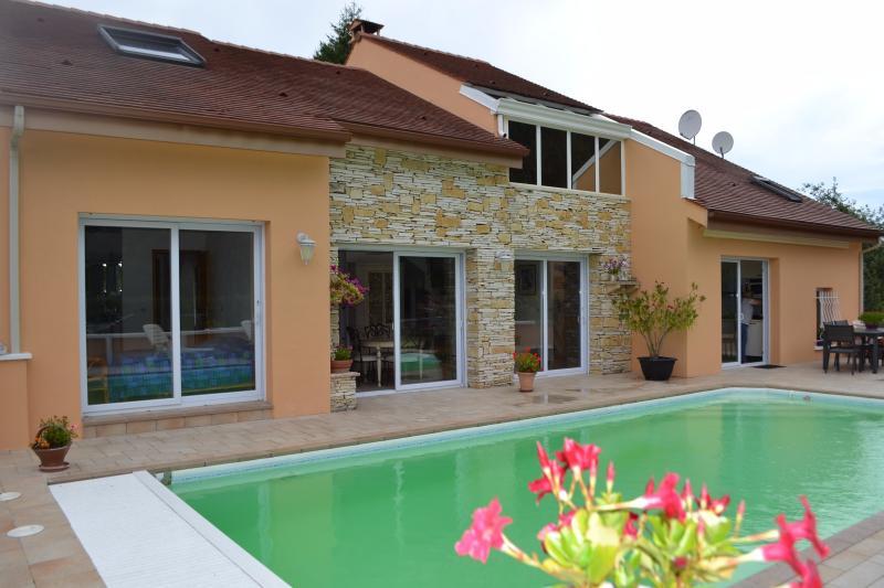 Maison d'architecte Milly La Forêt, immobilier Seine-et-Marne, Agence Carre-Immo