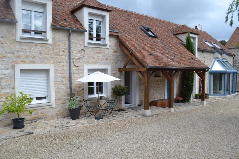 Maison ancienne en pierre proche Milly La Forêt, immobilier Seine-et-Marne, Agence Carre-Immo