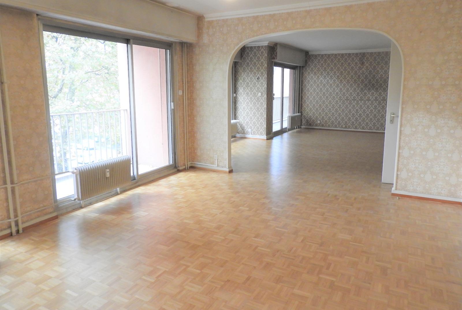 vente appartements mulhouse 68100 161m avec 6 pi ce s dont 4 chambre s latuner immobilier. Black Bedroom Furniture Sets. Home Design Ideas