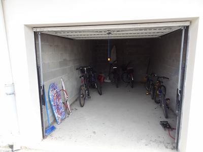 A louer, garage de 17m² dans le centre de Soustons