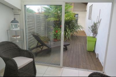 SOUSTONS, Appartement 70 m² - 3 pièces terrasse et jardin - dépendance