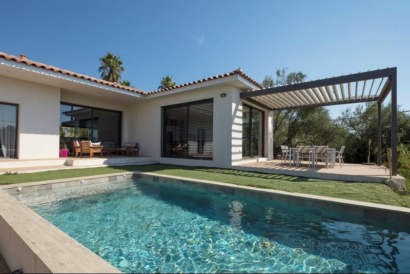 sur les hauteurs de Sommieres, Magnifique villa de 219 m² habitable sur 1319 m² de terrain
