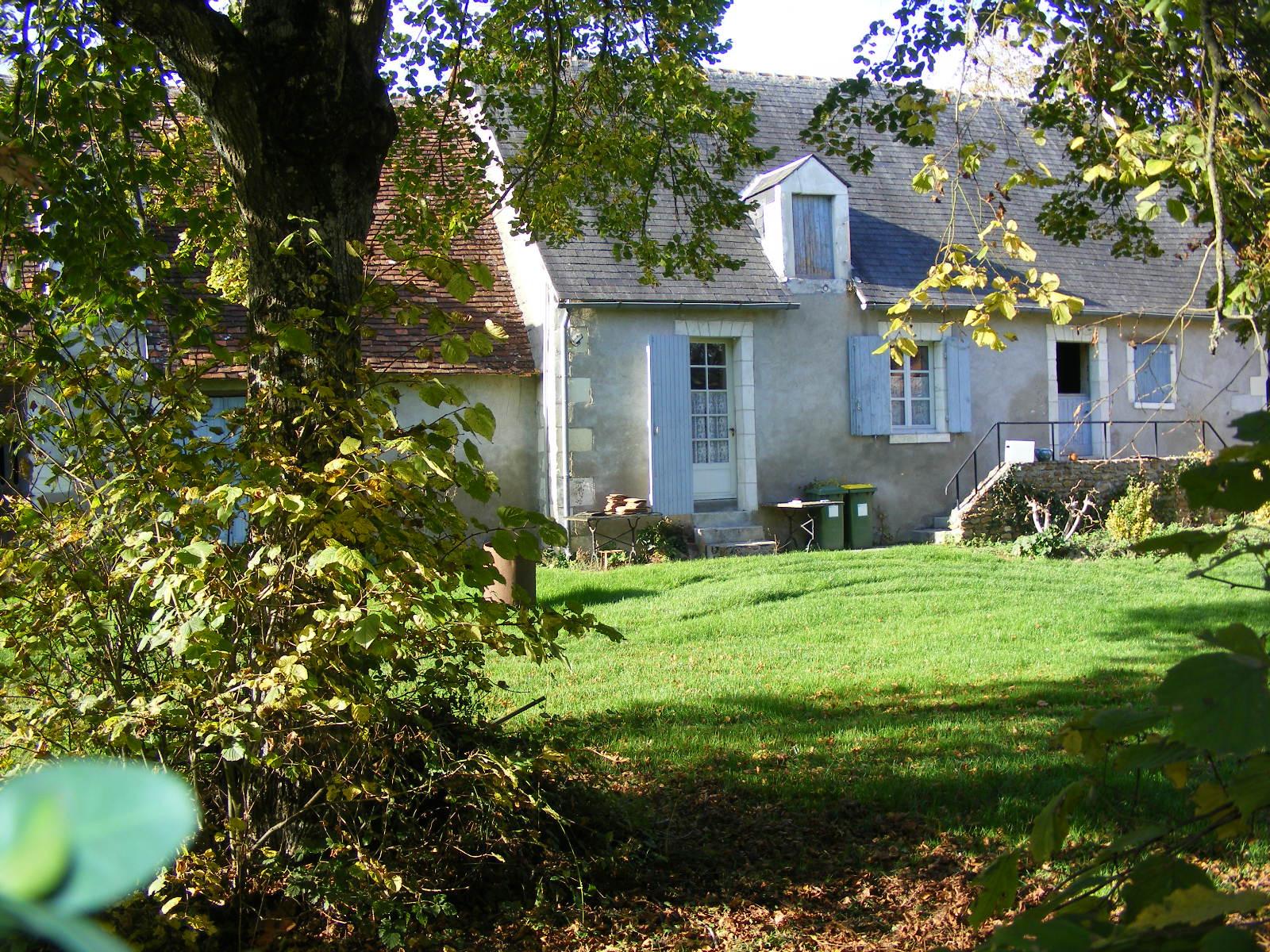Maison a vendre avec grand terrain