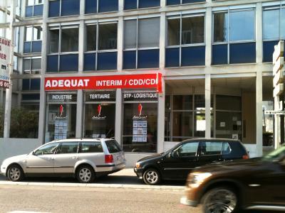 65 m² de locaux à louer avec vitrine - Av. Carnot à Besançon