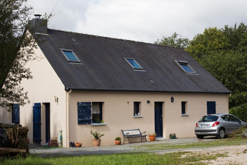 MONTERBLANC 5min St-Avé et 10min Vannes. Maison 130m² sur parcelle de 2100m² env.