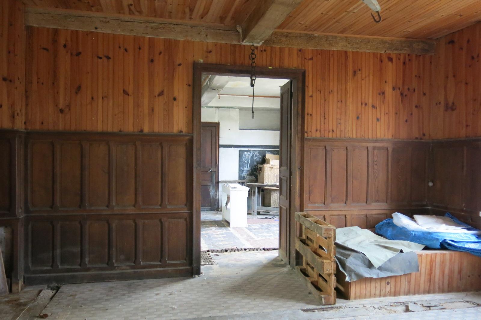 Proche nay vente maison r nover avec garage et atelier for Vente maison avec atelier
