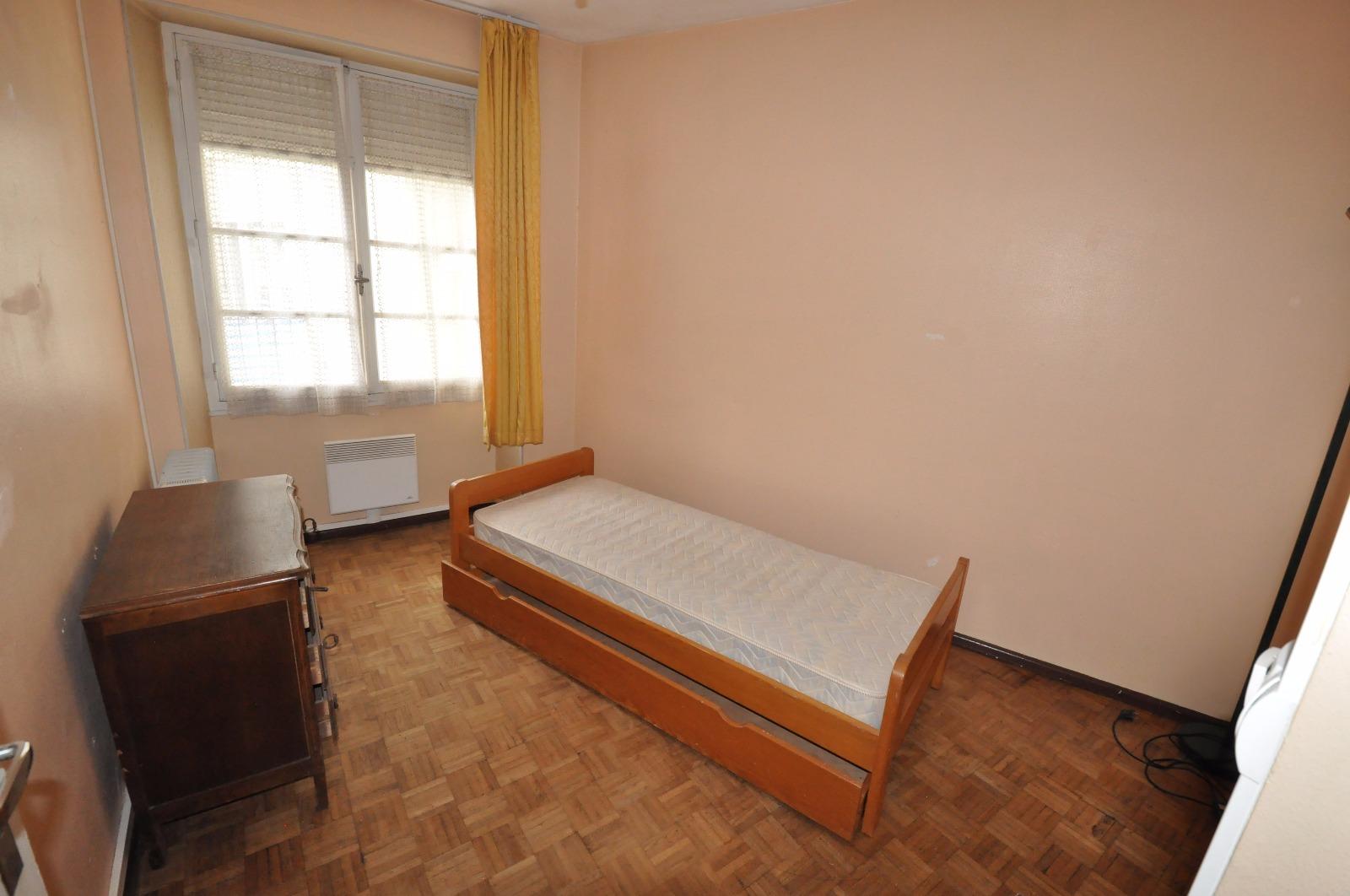 pau saint cricq a vendre t2 rafra chir avec balcon et cave. Black Bedroom Furniture Sets. Home Design Ideas