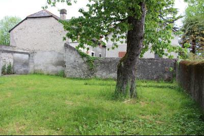 Vue: Proche NAY - Vente Béarnaise avec grange, Tout proche NAY - Vente Belle Béarnaise rénovée avec sa grange